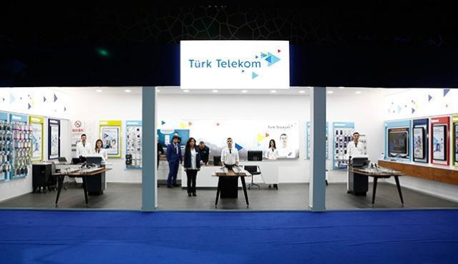 Türk Telekom Integrated Store Digital Signage Project